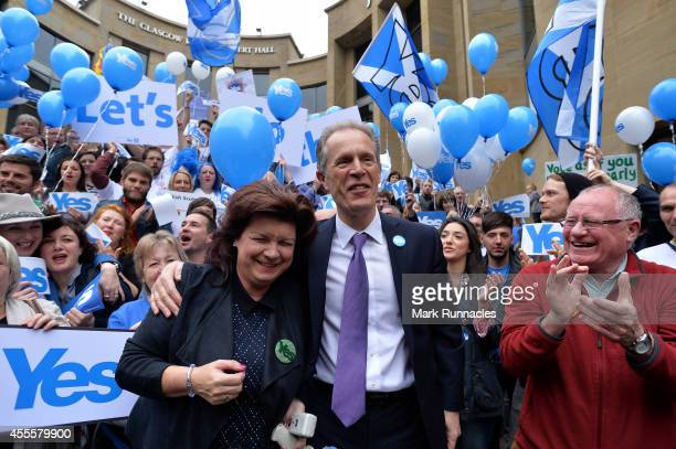 Scottish actress Elaine C Smith with Chief Executive of Yes Scotland Blair Jenkins and Chairman of Yes Scotland Dennis Canavan as Yes Supporters...
