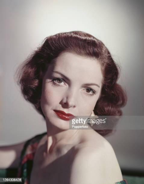 Scottish actress Elizabeth Sellars posed in July 1952