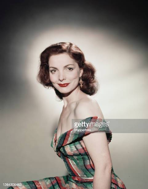 Scottish actress Elizabeth Sellars posed in July 1952