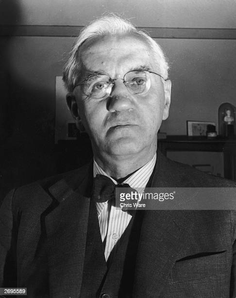 Scottish bacteriologist and Nobel prizewinner Sir Alexander Fleming who 'discovered' penicillin However as a 'mould' its use had been known in folk...