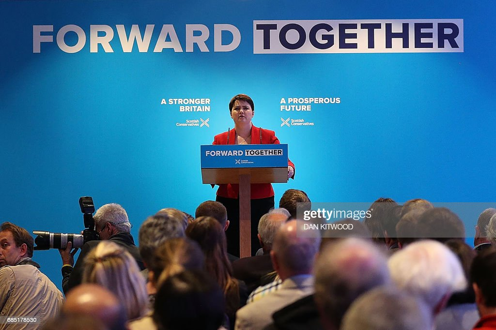 Scottish Conservative leader Ruth Davidson presents the Scottish manifesto at the launch in Edinburgh on May 19, 2017. / AFP PHOTO / POOL / Dan Kitwood