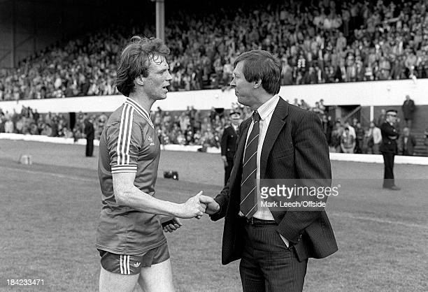 Scottish Cup Final Aberdeen v Rangers Alex McLeish shakes hands with Alex Ferguson