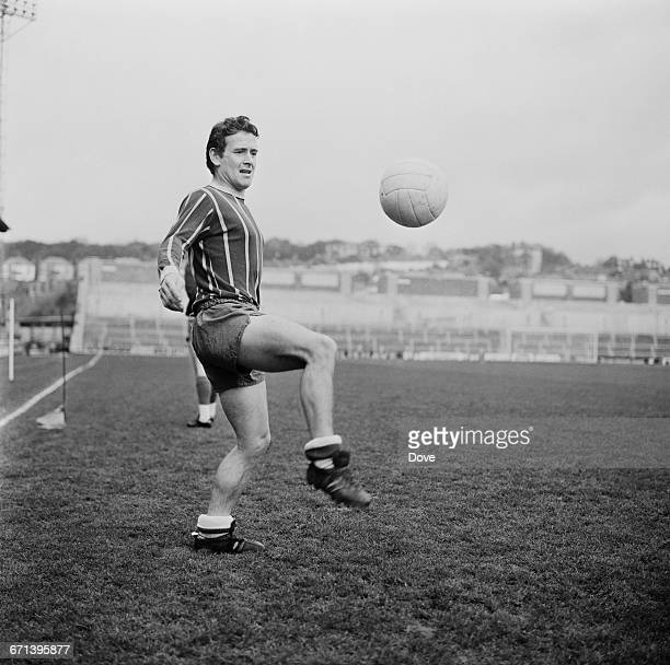 Scottish footballer Willie Wallace of Crystal Palace F.C. Doing kick-ups, UK, 18th November 1971.