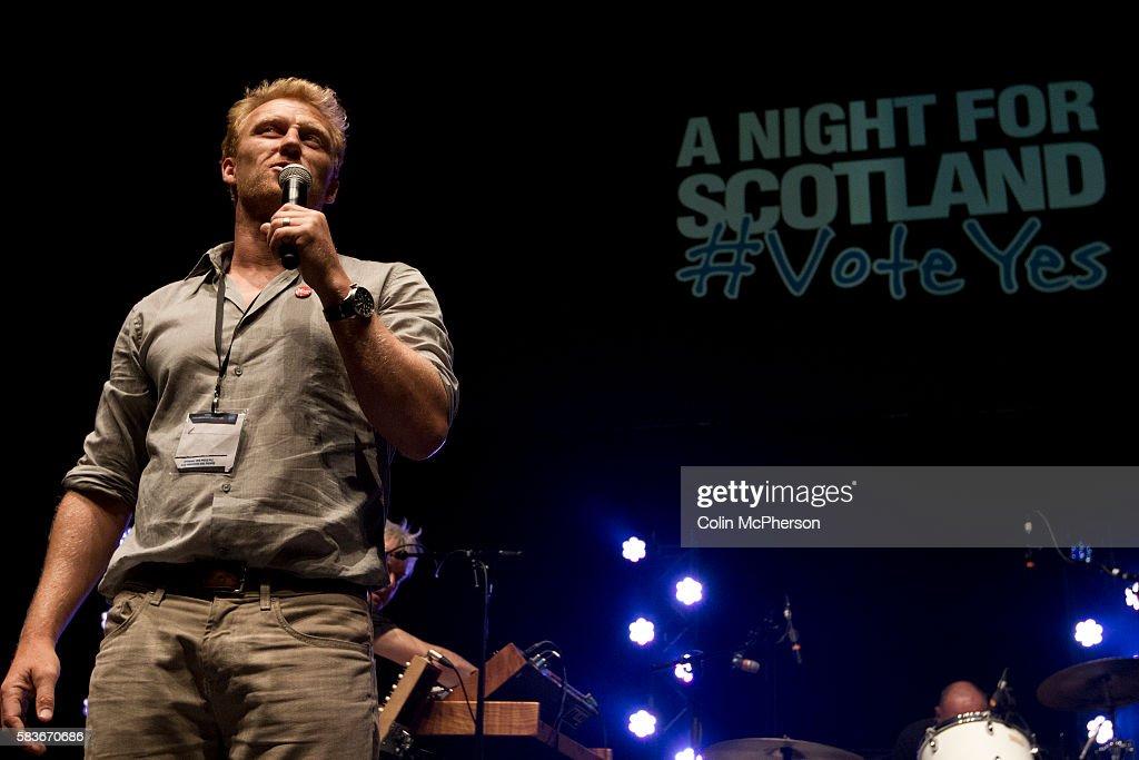 UK - Edinburgh - Musicians Plat at A Night for Scotland Concert : News Photo