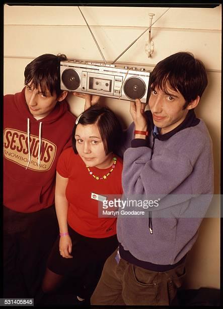 Scottish indie band Bis, group portrait, London, United Kingdom, 1995. Line-up includes Steven Clark, John Clark and Amanda Mackinnon .