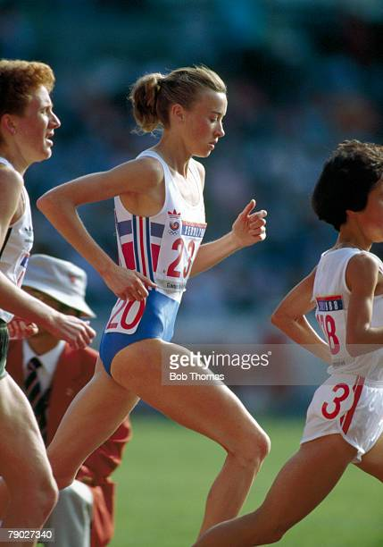Scottish long distance track athlete Liz McColgan runs for the Great Britain team in the Women's 10000 metres event at the 1988 Summer Olympics...