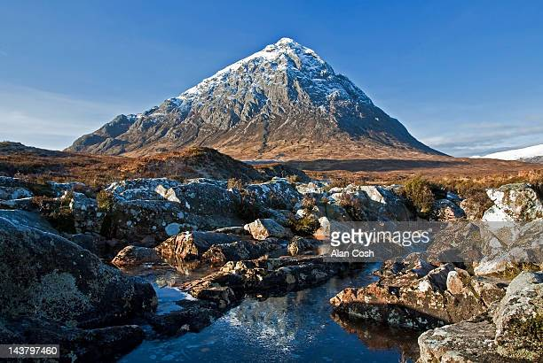 scottish mountain in winter - グレンコー ストックフォトと画像