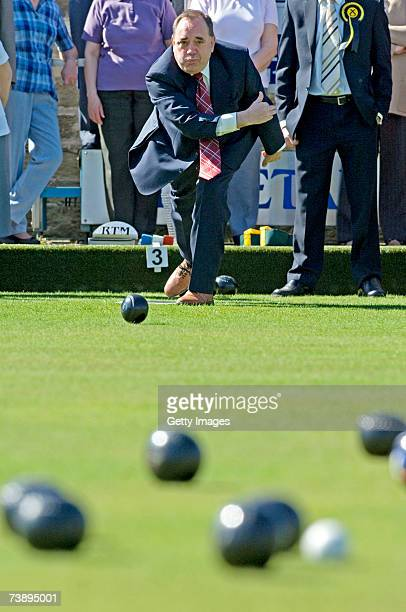 Scottish National Party leader Alex Salmond bowls a ball at at Mayfield Bowling Club on April 16 2007 in Dundee Scotland The Scottish Parliament...