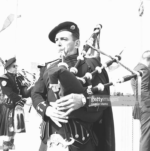 Scottish pipe band, (B&W)