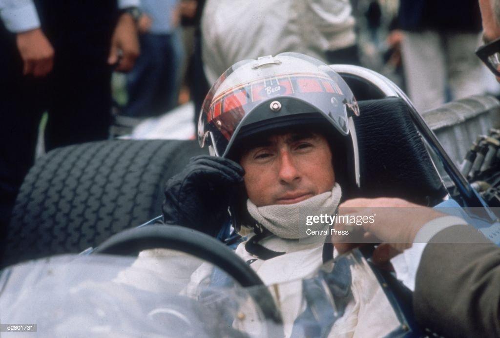 Pre-Race Stewart : News Photo