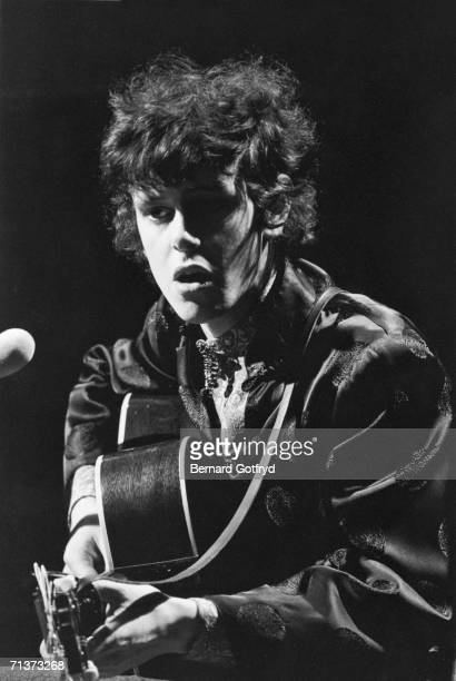 Scottish singer and guiatrist Donovan performs dressed in an embroidered silk jacket New York New York 1967