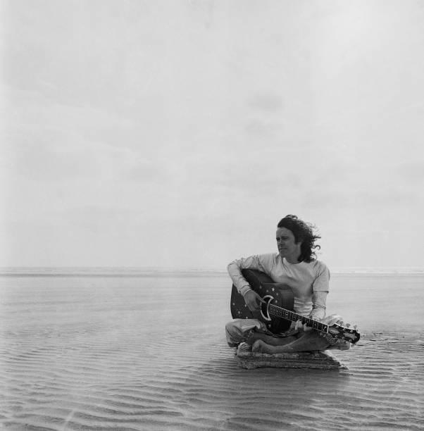 GBR: 10th May 1946 - Happy 75th Birthday, Donovan!