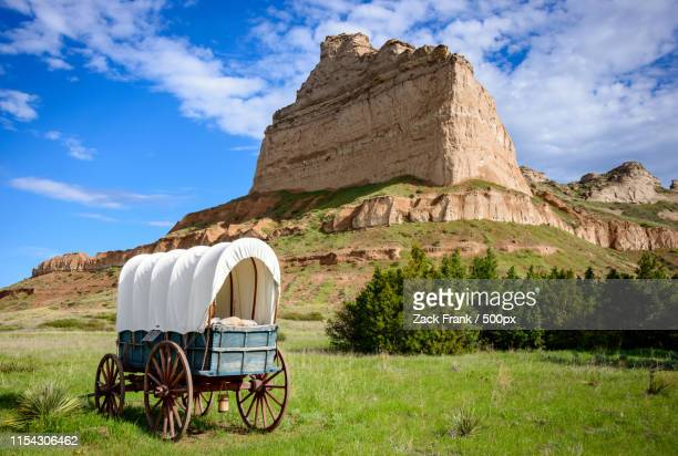 scotts bluff national monument - the oregon trail stock photos and pictures