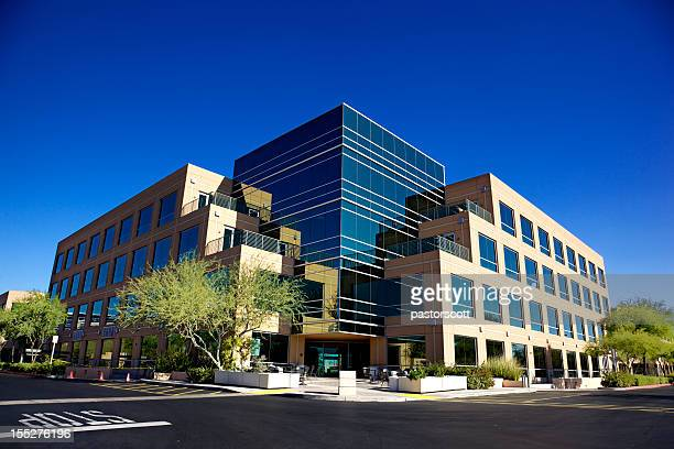 scottsdale business park a beautiful north phoenix office building - headquarters stock pictures, royalty-free photos & images