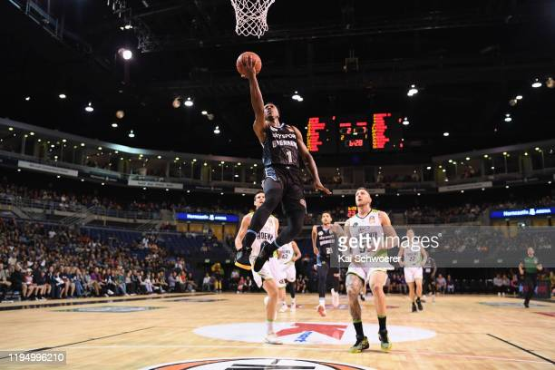Scotty Hopson of the Breakers dunks during the round 12 NBL match between the New Zealand Breakers and the South East Melbourne Phoenix at Horncastle...