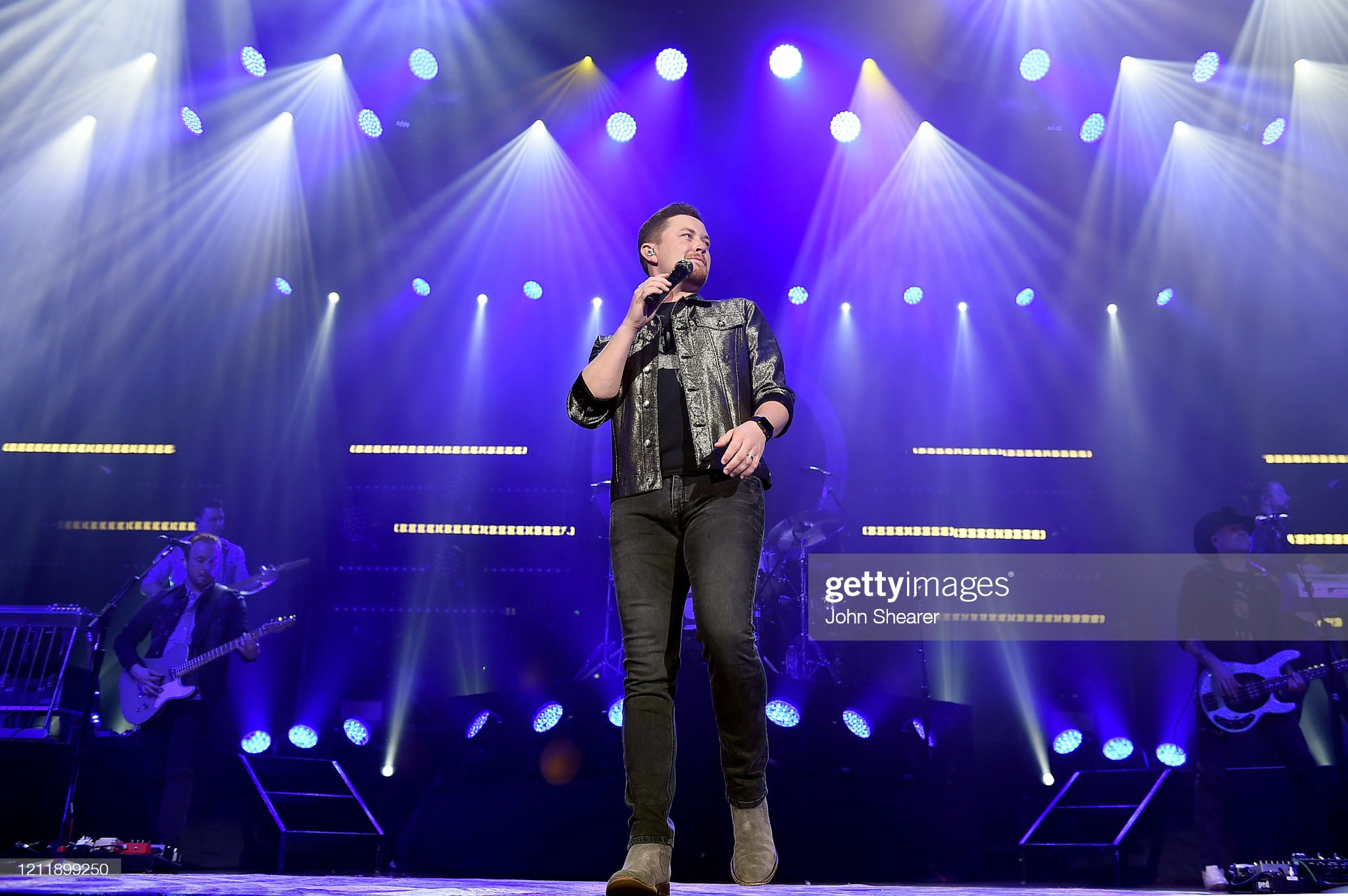 scotty-mccreery-performs-onstage-at-ryma
