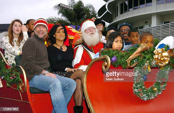 Scout Willis Bruce Willis Victoria Rowell Santa and Samuel L Jackson with children