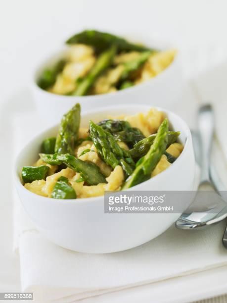 Scrambled eggs with green asparagus