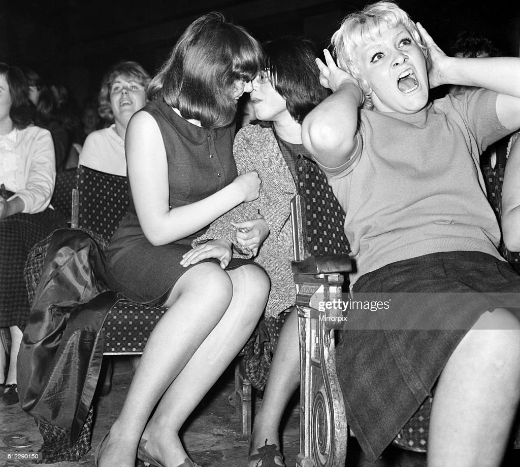 Screaming girl fans greet the Beatles on their appearance at the ABC Cinema in Wigan October 1964 S09149-001 : News Photo