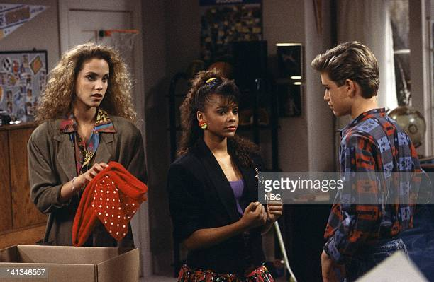"Screech's Woman"" Episode 5 -- Air Date -- Pictured: Elizabeth Berkley as Jessie Spano, Lark Voorhies as Lisa Turtle, Mario Lopez as A.C. Slater --..."