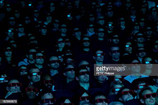 Screening Of The 3Dfilm 'Avatar' By James Cameron At Cinema Gaumont Opera In Paris Paris 9 janvier 2010 projection du film en 3D 'Avatar' de James...