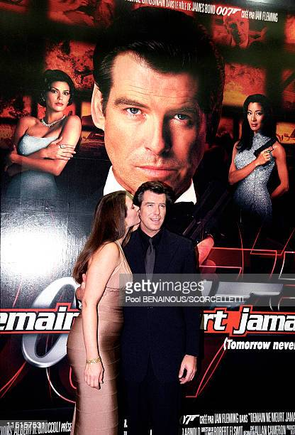 Screening Tomorrow never dies in Paris France on December 11 1997 Pierce Brosnan and Kelly ShayeSmith