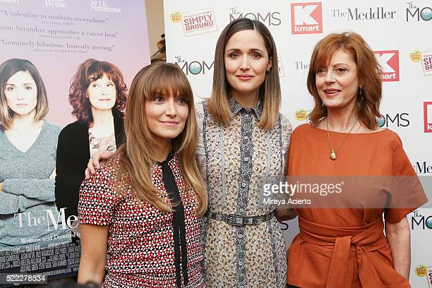 Screenwriter Lorene Scafaria and actresses Rose Byrne and Susan Sarandon attend Mamarazzi Screening of The Meddler at Crosby Street Theater on April...