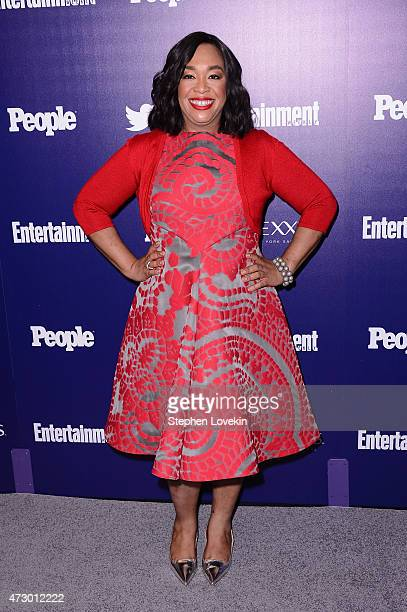 Screenwriter Shonda Rhimes attends the Entertainment Weekly and PEOPLE celebration of The New York Upfronts at The Highline Hotel on May 11 2015 in...