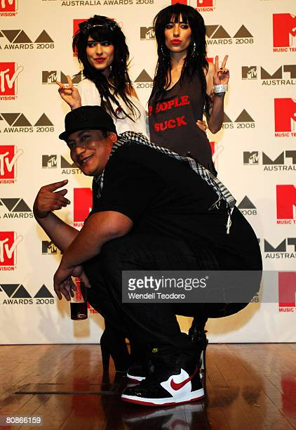 Scribe and The Veronicas pose backstage in the Awards Room at the MTV Australia Awards 2008 at the Australian Technology Park Redfern on April 26...