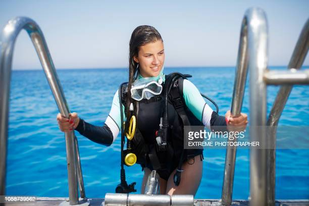 scuba diver - traje de mergulho - fotografias e filmes do acervo