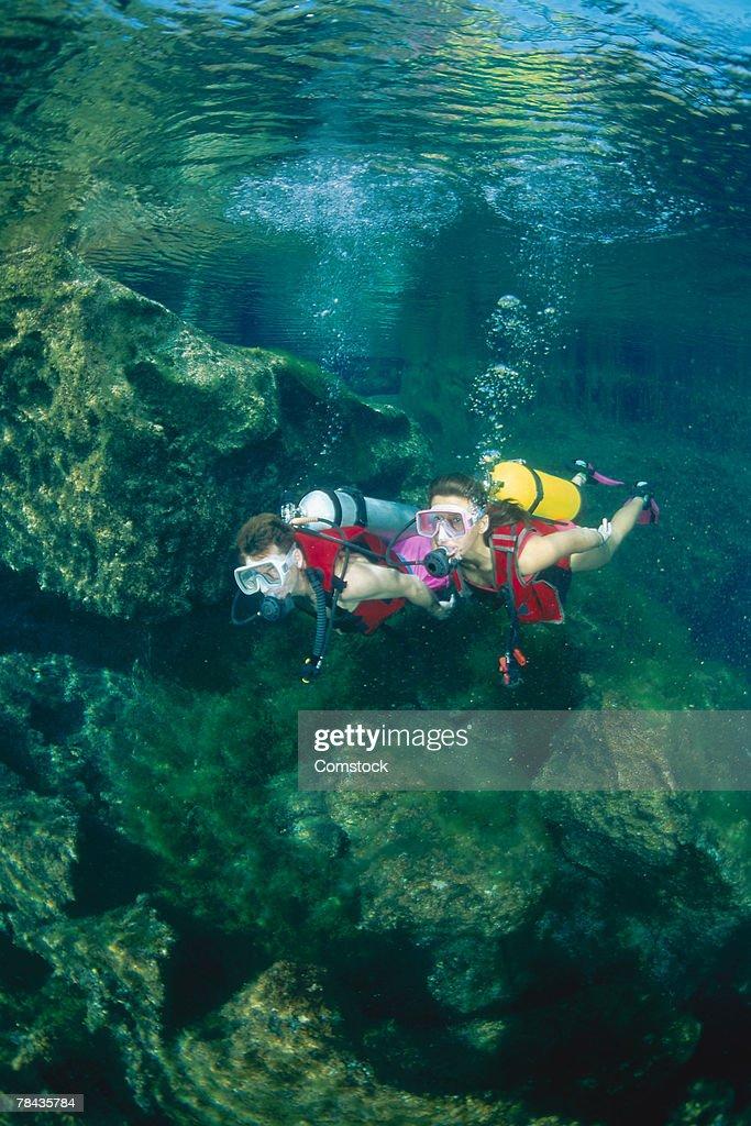 Scuba Divers in Puerto Aventuras , Mexico : Stockfoto