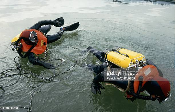 Scuba Divers Of Gendarmerie And Gign On January 1st 1985 In France Gign Commandos Are Trained In Ice Diving