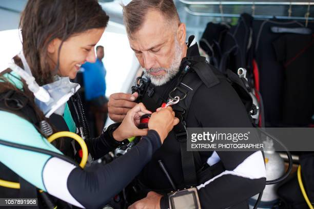 スキューバ ダイバー - 登山用具 ストックフォトと画像
