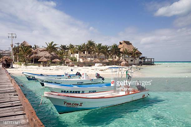 scuba diving boats in isla mujeres, mexico - isla mujeres stock pictures, royalty-free photos & images