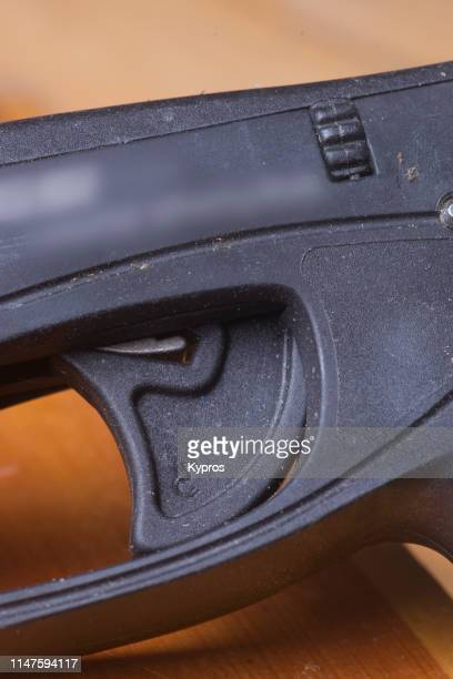 scuba diving speargun - spear stock pictures, royalty-free photos & images