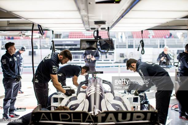 Scuderia AlphaTauri mechanics during day one of Formula 1 Winter Testing at Circuit de BarcelonaCatalunya on February 19 2020 in Barcelona Spain
