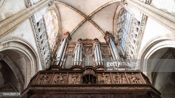 sculpted wooden organ case in our lady's church, collégiale notre dame, les andelys, normandy, france - church organ stock pictures, royalty-free photos & images