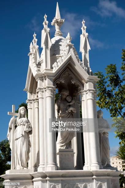 sculpture at colon cemetery, havana, cuba - jesus empty tomb stock pictures, royalty-free photos & images