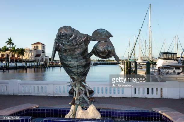 Sculpture at Pier 22 on Riverwalk Park.