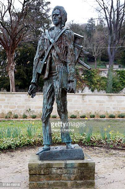 A sculpture depicting Dutch painter Vincent Van Gogh by Ossip Zadkine stands on March 31 2016 in AuverssurOise France AuverssurOise is mostly known...