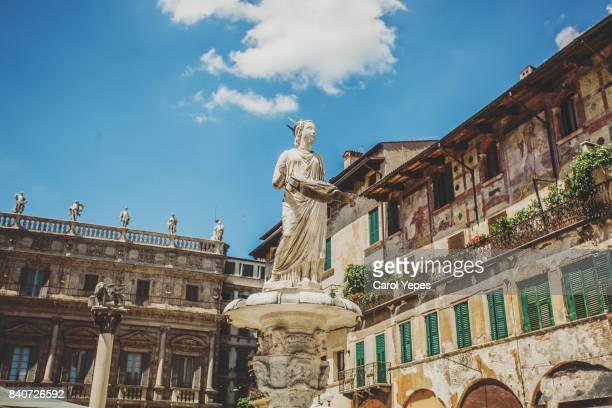 sculpture in piazza delle erbe, verona, italy - verona foto e immagini stock