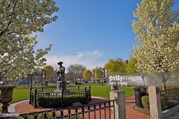 sculpture of james mcneill whistler, whistler house museum of art, lowell, massachusetts, usa - 名作 発祥の地 ストックフォトと画像
