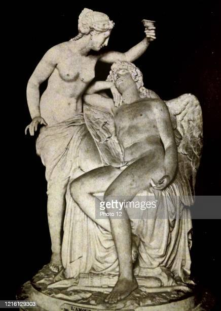 Sculpture of 'Love and Psyche' by Francois-Nicolas Delaistre a French sculptor. Dated 18th Century.