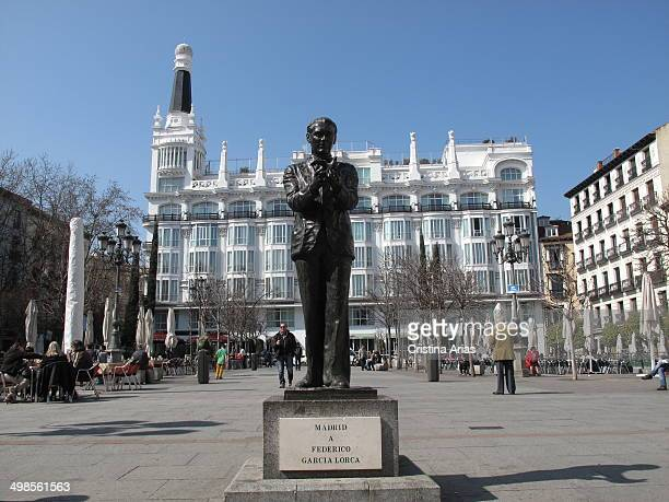 Sculpture of poet Federico García Lorca in the Plaza de Santa Ana in Madrid, opposite the Teatro Spanish, was entrusted to the sculptor Julio López...