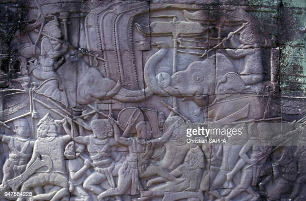 Sculptures en bas-relief du temple du Bayon, à Angkor au Cambodge.