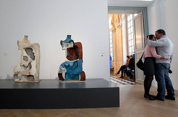 picasso sculptures exhibition at musee picasso in paris foto e immagini getty images. Black Bedroom Furniture Sets. Home Design Ideas
