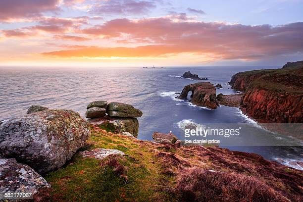 sea arch, land's end, cornwall, england - cornwall england stock pictures, royalty-free photos & images