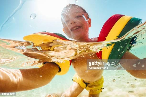 Zee zwemmen is leuk!
