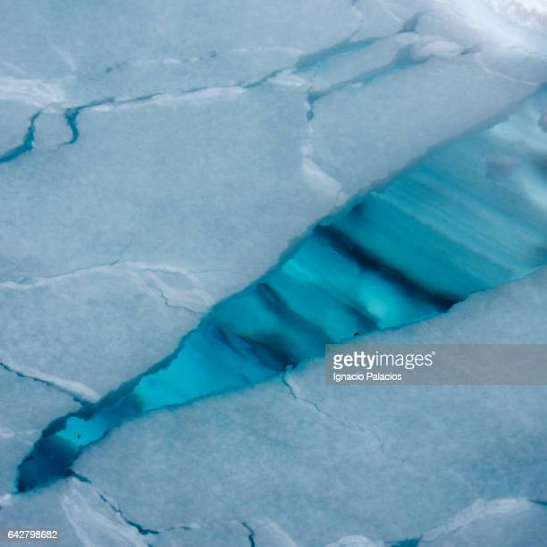 sea ice cracks - ice floe stock pictures, royalty-free photos & images