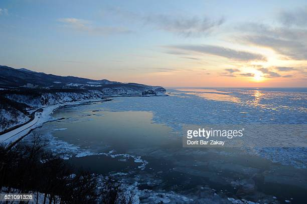sea ice floe at sea of okhotsk and the way to utoro - drift ice stock pictures, royalty-free photos & images